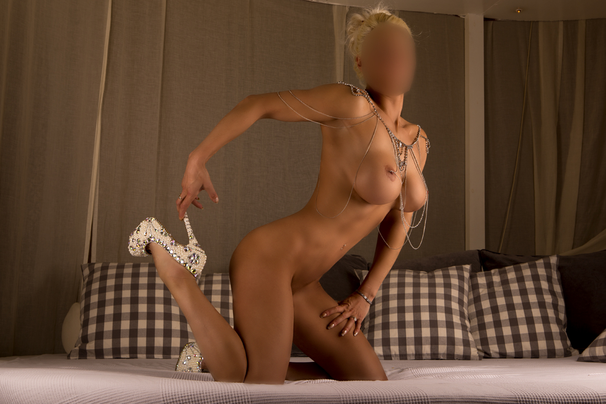 massage og escort hotte damer